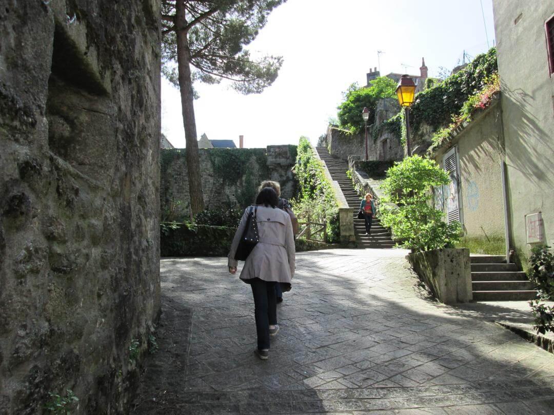 Clisson et la Vendée : histoire tragique des guerres de Vendée. Entiérement reconstruite après l'épisode des guerres de Vendée