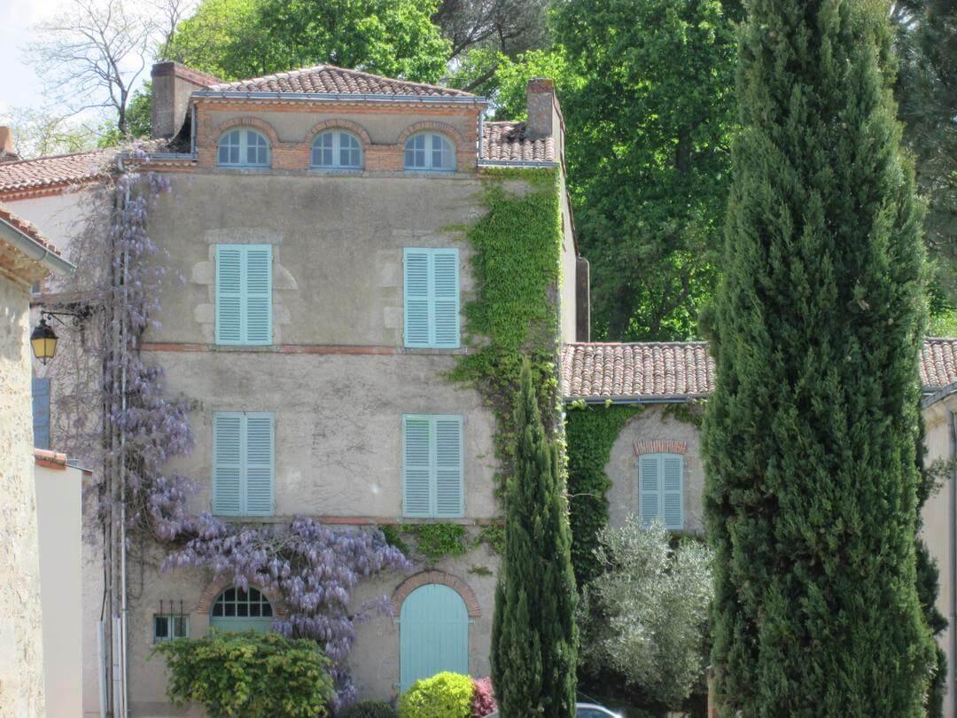 Clisson la ville Italienneà mi chemin entre Nantes et nos chambres d'hotes en vendée