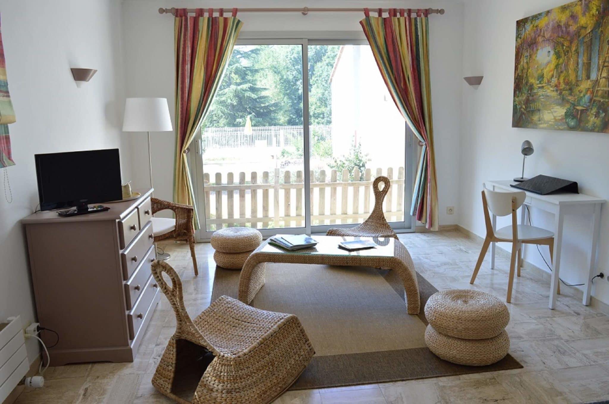 chambre d 39 h tes familiale pr s du puy du fou en vend e. Black Bedroom Furniture Sets. Home Design Ideas