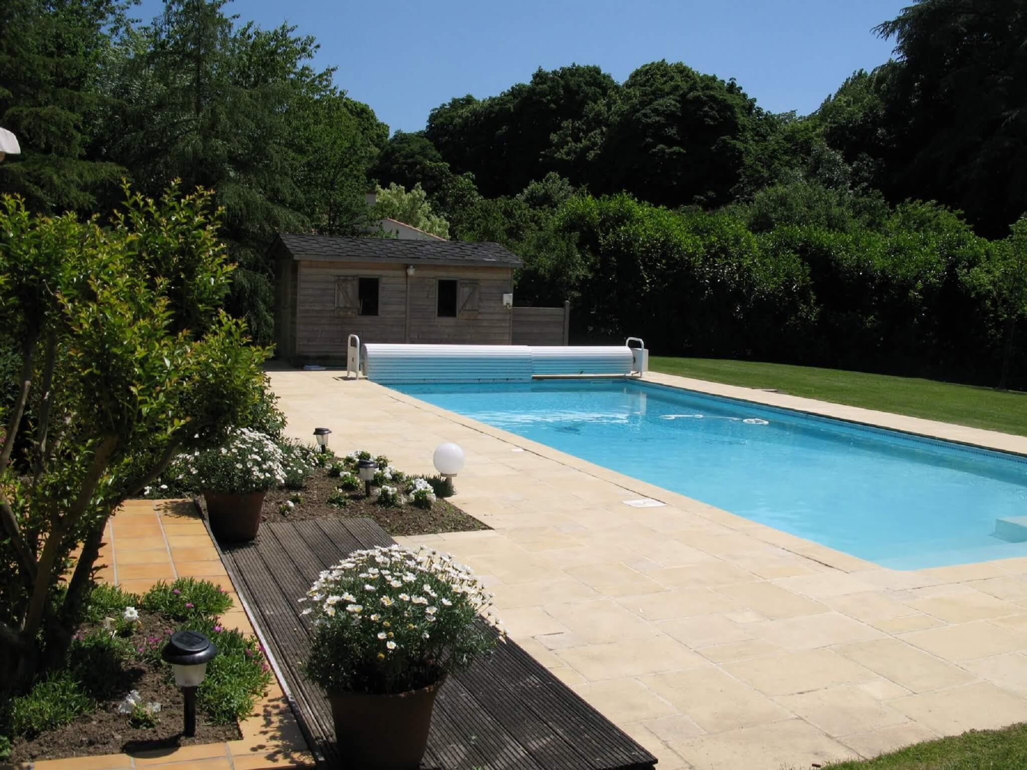 chambre d'hotes avec une piscine chauffée idéalement située au cœur de la Vendée proche du puy du fou