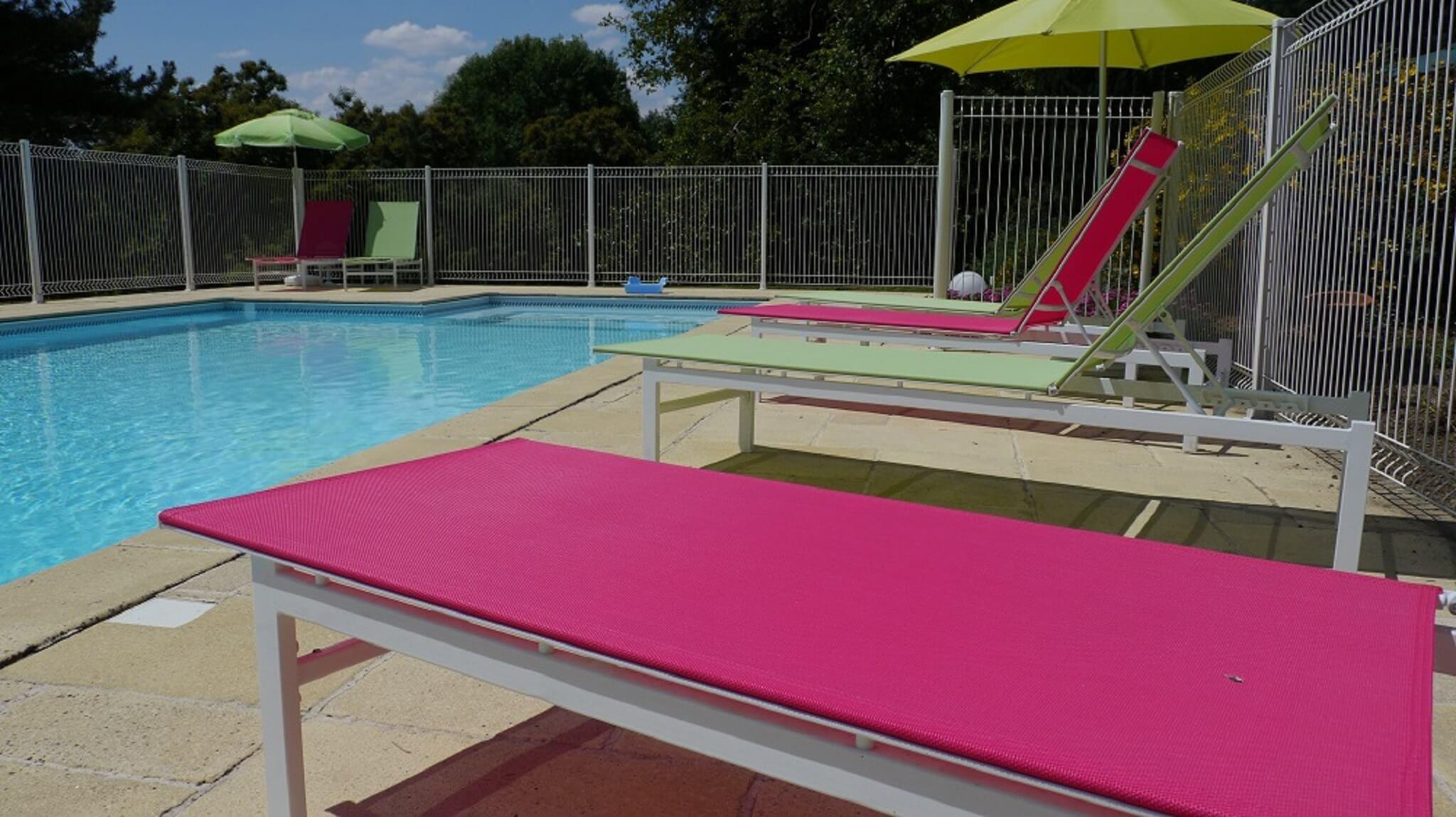 transat autour de la piscine en Vendée près du Puy du Fou