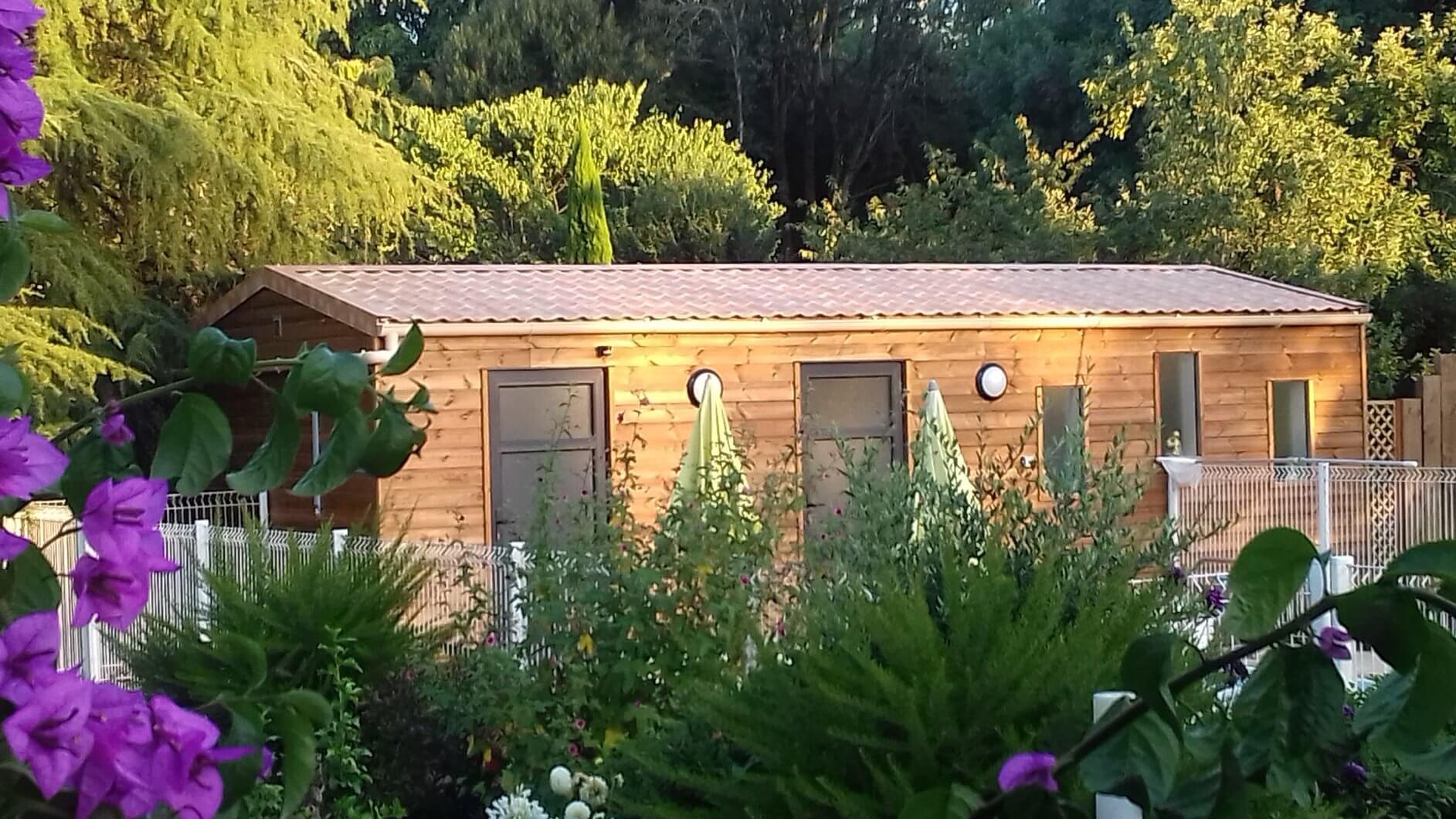 l'accès au Spa à proximité de la piscine au logis du parc en vendée